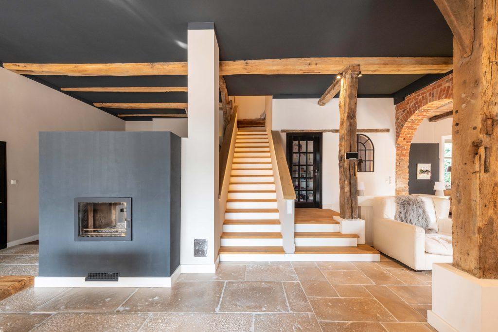 Erdgeschoss - integriertes Treppenhaus